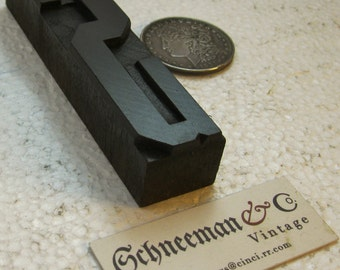 """4 13/16"""" vintage wood type upper case S. Natural patina. Beautiful old letter."""
