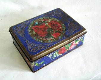 Shabby vintage tin box, flowers, red roses on dark ultramarine blue, Cottage chic, floral litho, WEATHERED. Decorative, Home decor, vanity