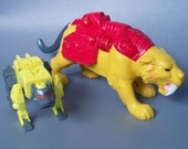 Vintage G1 Transformers Catilla Figure