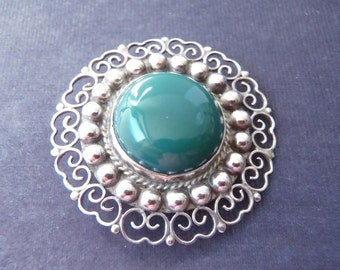 Sterling Silver Ornate Green Stone Brooch BR12