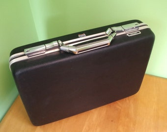 Vintage American Tourister Escort Briefcase Black Hard Shell Plastic with Chrome Metal Latches