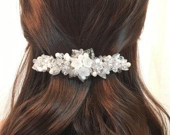 Pearl Bridal Barrette, wedding barrette pearl, silver hair barrette for wedding, flower barrette, crystal barrette wedding, beaded barrette