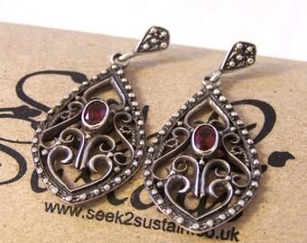 Vintage Silver Earrings, Red Stone Earrings, Silver Earrings, Dangle Earrings, Pierced Earrings, Garnet Earrings