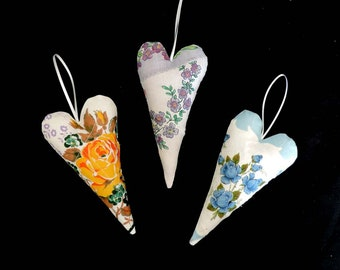 Door Hanger Hanky Hearts – Set of 3