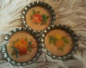 Vintage flower bottlecap magnets