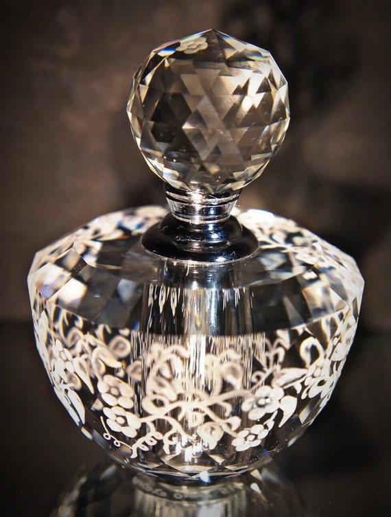Hand Engraved Perfume Bottle, Oleg Cassini Crystal, Mini Perfume Bottle, Perfume Bottle, Flowers,vanity Tray, Perfume Tray, Crystal etched