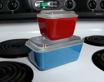 Vintage Set of Two (2) Refrigerator Dishes, Ribbed Lids, Primary Colors Red & Blue