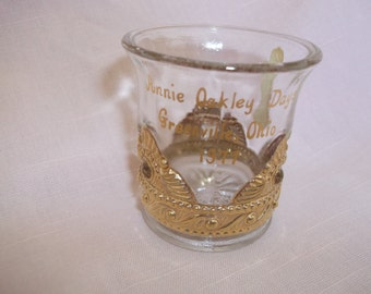 Summit Art Glass Annie Oakley Days 1977 Souvenir Shot Glass w/Gold
