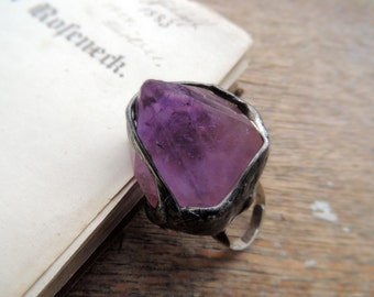Amethyst Point ring, tiffany method, deep purple, violet, tinned, boho ring, summer, statement ring, big ring by MARIAELA.