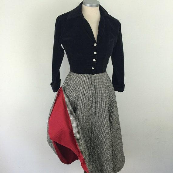 1950s dress gingham quilted flared skirt original 50s velvet dolman sleeves housedress hostess dress UK 8