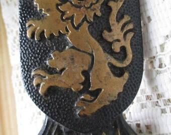 Antique Cast Iron Scottish Lion Rampant Desk Pen Holder - Estate find!