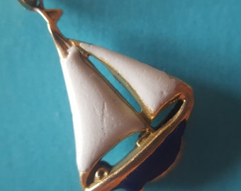 """14K Yellow Gold Sailboat Pendant with White and Blue Enameling on 18"""" 14K Chain (st - 1743)"""