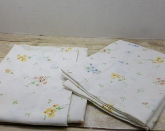 Set of Two Standard Pillowcases, Vintage pillowcases, vintage sheets