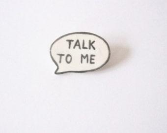 Porcelan speech bubble brooch