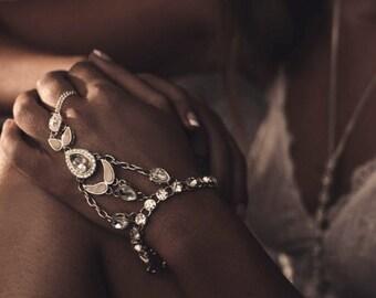Silver Bridal Hand piece, Jewels & Shells, Body jewelry, Boho Bride, Wedding jewelry, Accessories, Style: Spirited hand piece.
