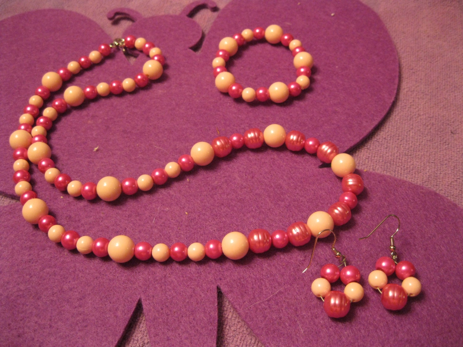 pink and baby pink beaded jewelry set by