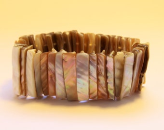 Stretch Shell Bracelet