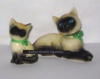 Goebel W Germany CK33A Siamese Cat & Kitten Animal Figurine Green Bow