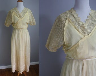 Edwardian Wedding Gown // Cream Decadent Lace //  Extra Small