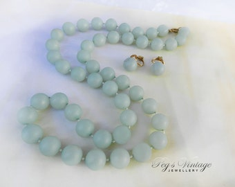 Pastel Jade Green Lucite Bead Necklace And Earrings/Vintage Necklace Set