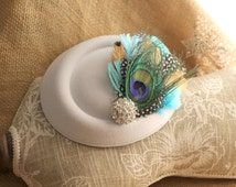 White wedding fascinator - white hat - white felt fasciantor - girl's hat - feather fascinator - white fascinator - fascinator - felt hat