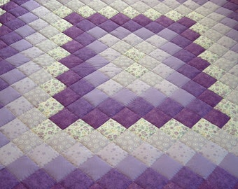 King Size Purple, lavender & Green Hand Quilted Trip Around the World Quilt