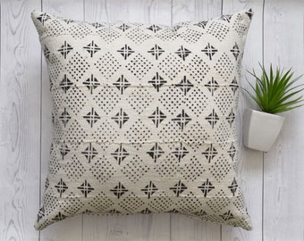 African Mudcloth Pillow Cover, Tribal pillow cover - Ref: White and Black