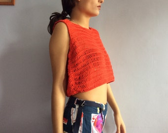 Vintage crop top 70s hand crocheted cropped top 1970s hand knit sweater red cotton crocheted top loose knit loose top seventies lipstick red