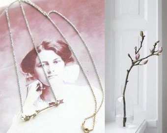 Lovely sterling silver necklace with twig