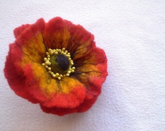 Red Poppy Felt Flower Brooch, Wool Accessories, Handmade Red Flower, Gift for Her, Hair Accessories