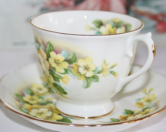 Royal Albert - tea cup and saucer - Yellow Primroses