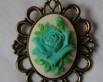 """Brooch """"ROSES"""" - blue and white cameo - pink flowers"""