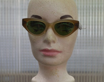 Vintage  50's 60's Cat Eye Cabana Sunglasses TS1459