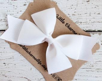 White Hair Bow, White Hair Clip, White Hairbow, Easter Hair Bow, White Bow, Easter Hair Clip, Holiday Hair Bow, 5 Inch Hair Bow