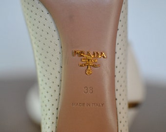 Vintage PRADA women's leather pumps shoes ....(081)