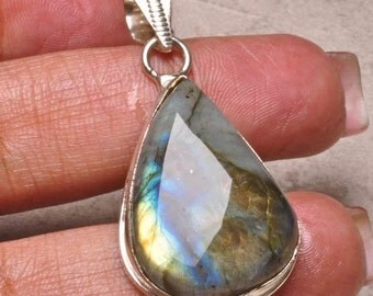 Super Flashy Labradorite Pendant