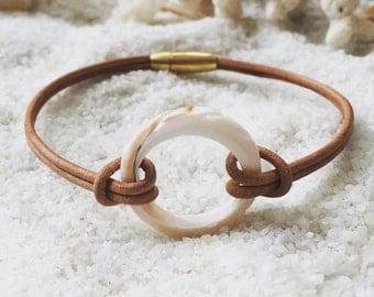 Shell Ring Bracelet