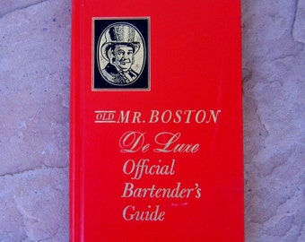 Bartenders Book, Old Mr Boston De Luxe Official Bartender's Guide Book, vintage bartender's guide, Old Mr Boston Bartenders Guide