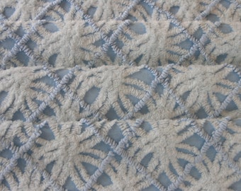 """Vintage Chenille Bedspread Fabric 18"""" x 24"""" Pale Blue on Blue Wedding Ring...(g54)"""