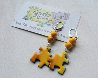 Earrings puzzles, various colors