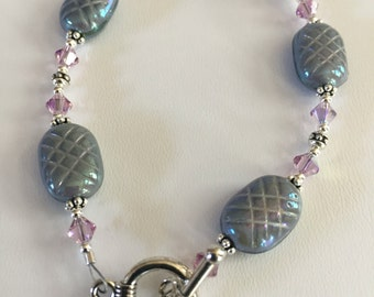 Irredscent gray beaded braclet with light lavender Swarovski crystals