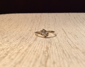 Bypass diamond ring 10k