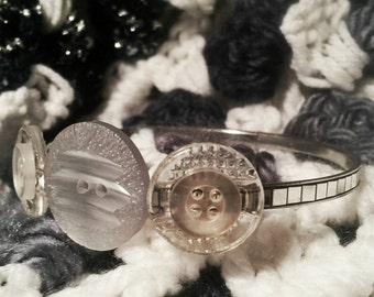 Handmade button bracelet- button jewelry