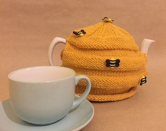 Bumble Bee Tea cosy
