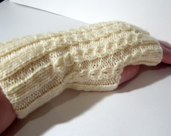 SALE!  fingerless mitts/wrist warmers in cable knit