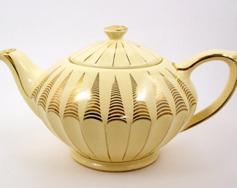Vintage James Sadler Teapot Yellow with Gold Decoration 32 Ounce 1937+
