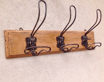 Hanger, hanging clothes, hat, cappottiera shabby chic vintage wall