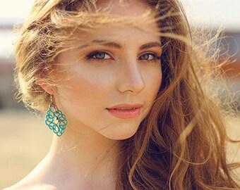 Lace earrings emerald