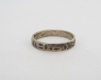 Vintage Sterling Silver Carved Band Ring Size 8.75