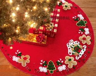 "Bucilla Gingerbread House ~ 43"" Felt Christmas Tree Skirt Kit #85133, Cookie DIY"
